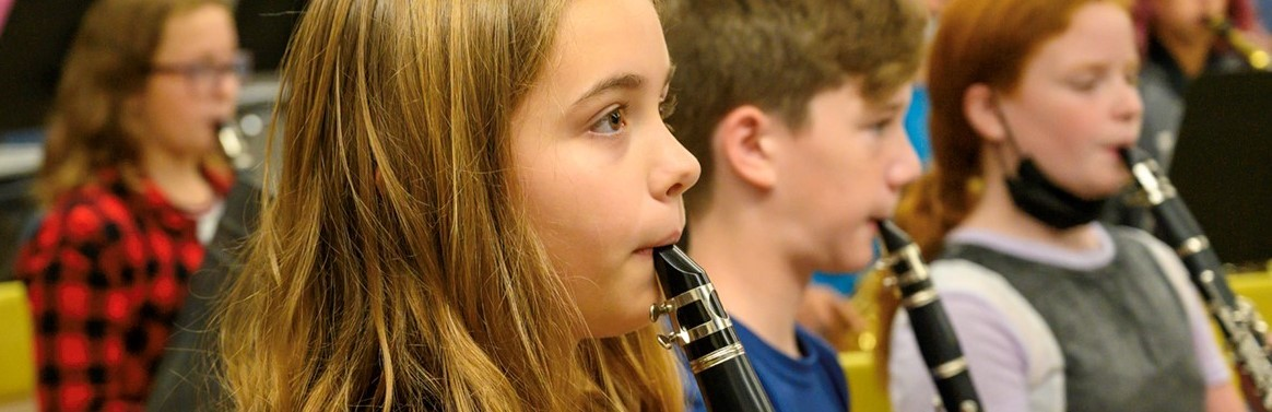 students playing the clarinet